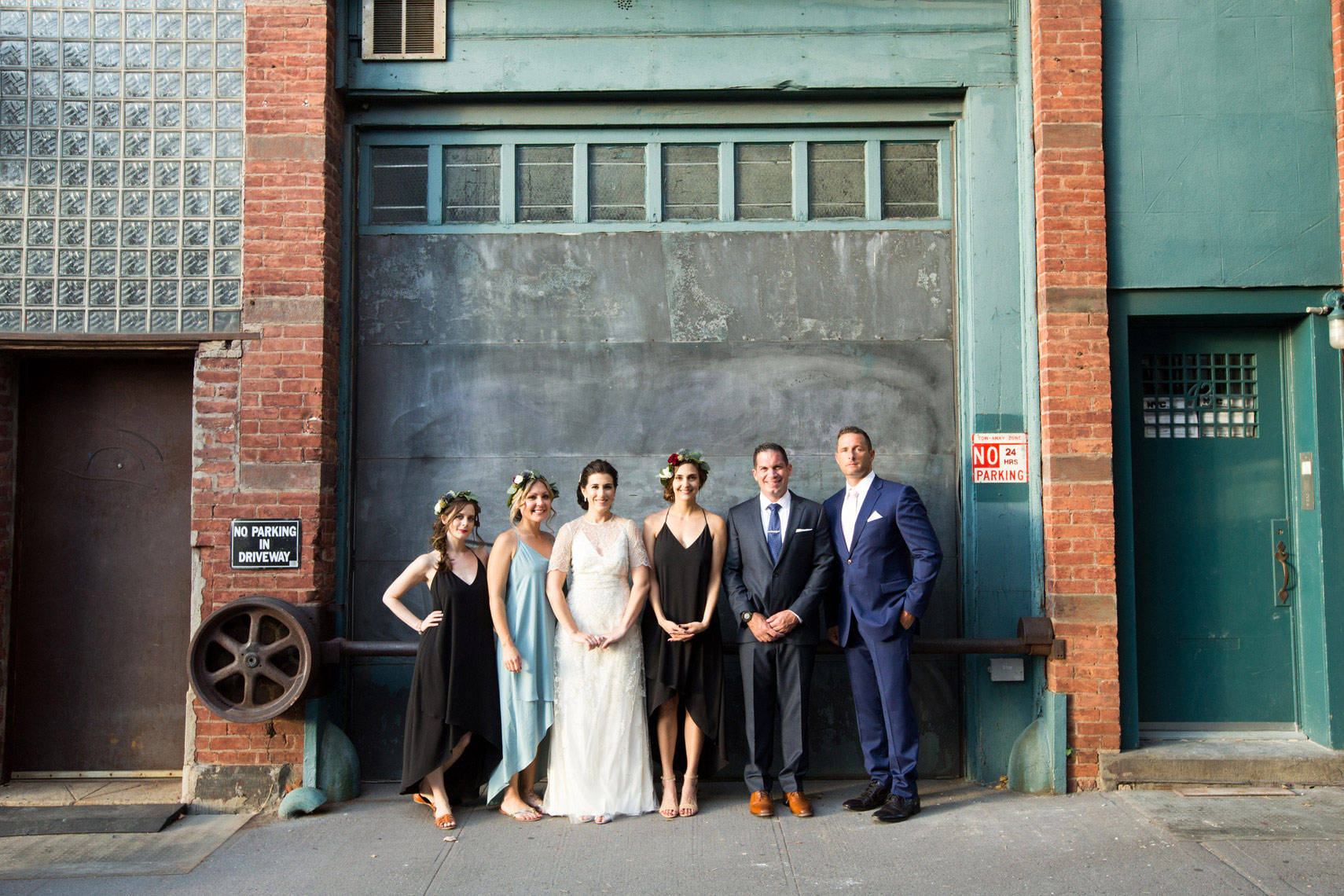 bride-groom-mural-Williamsburg-Brooklyn-wedding-photographers