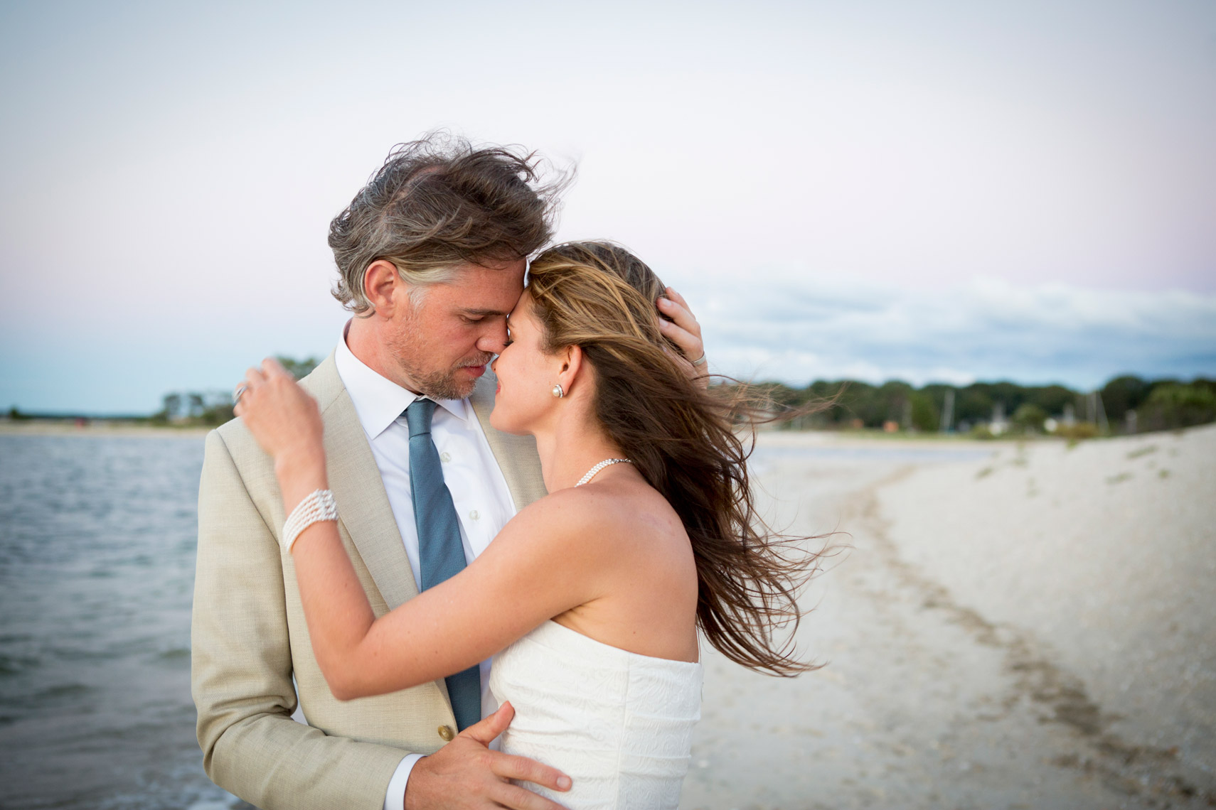 groom-bride-wedding-Hamptons-beach-NewYork-sarma-and-co