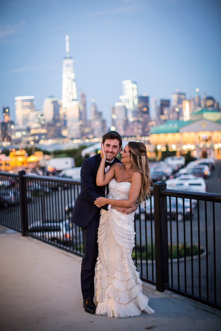 nyc-night-skyline-bride-groom-Maritme-Parc-NJ-sarma-and-co