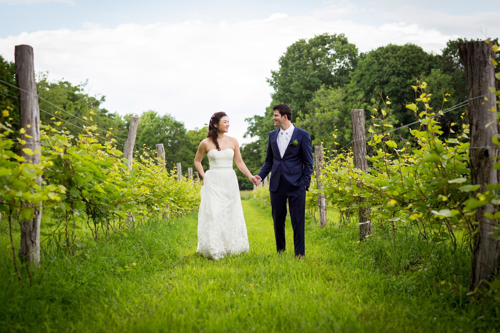 wedding-Red_Maple_Vineyard-sarma-and-co