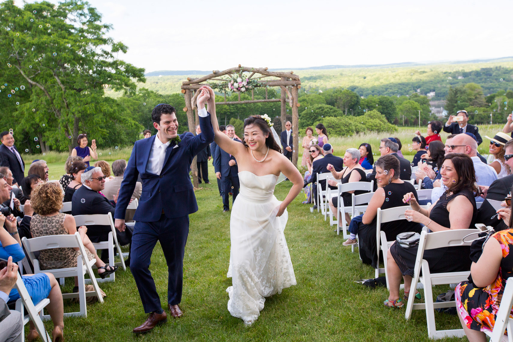 hilltop-wedding-ceremony-Red-Maple_Vineyard-sarma-and-co