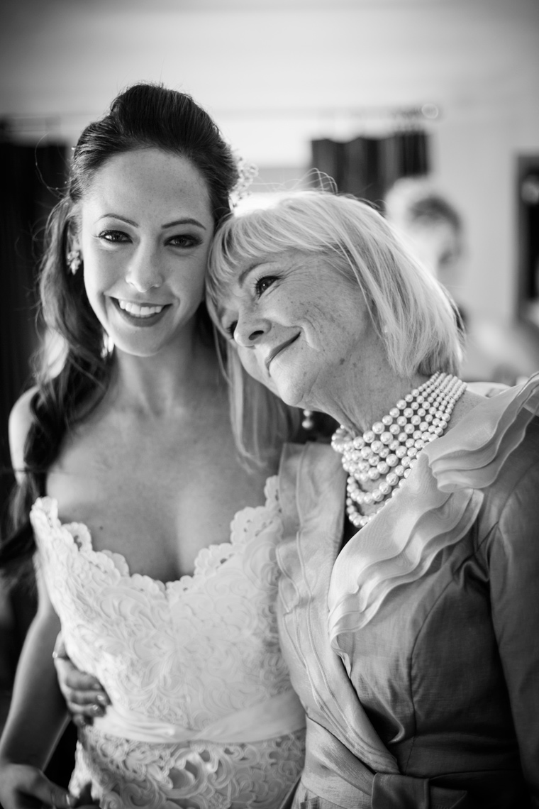 bride-and-her-mother-Highlands-Country-Club-wedding-photographers