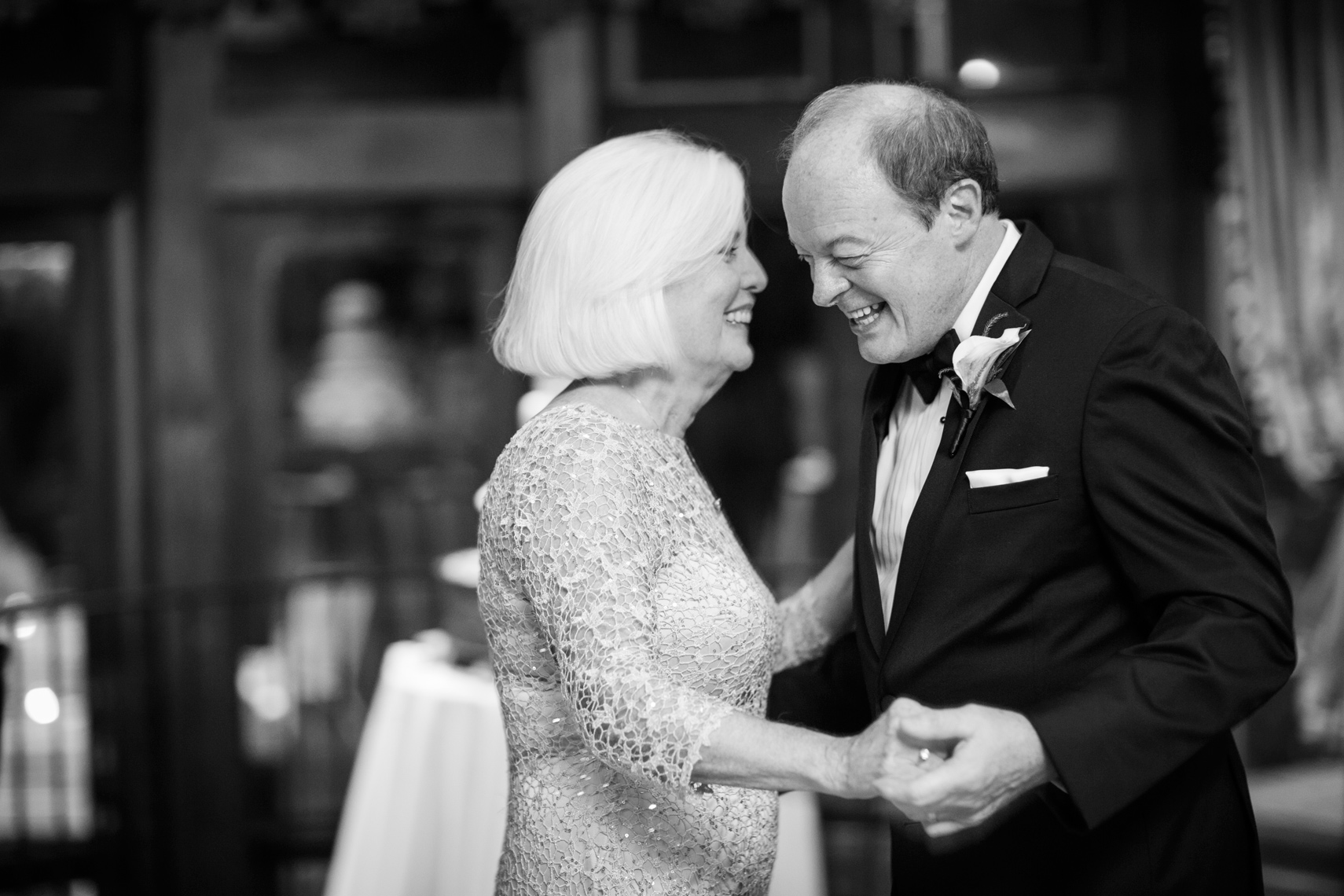 brides-parents-dancing-CT-wedding-photographers